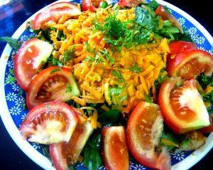 platao ensalada lechuga zanahorias tomates