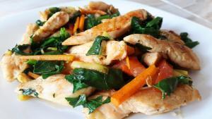 Fajitas de pollo con verduras, bajas en grasa