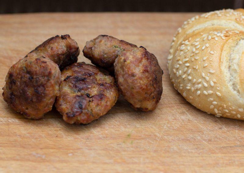 Albondigón de carne al horno